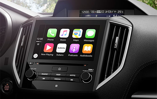 Apple CarPlay<sup>4</sup> und Android Auto™<sup>5</sup>