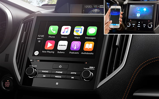 Apple CarPlay<sup>4</sup><sup>,</sup><sup>6</sup> und Android Auto™<sup>4</sup><sup>,</sup><sup>7</sup>